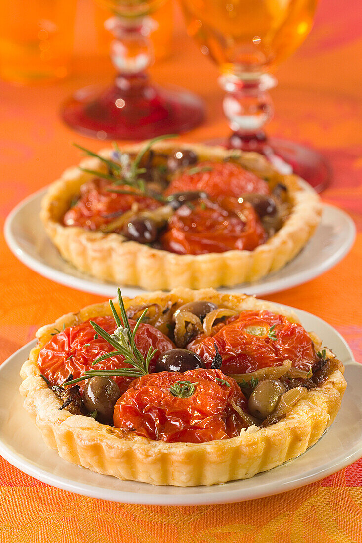 Candied tomato tarts