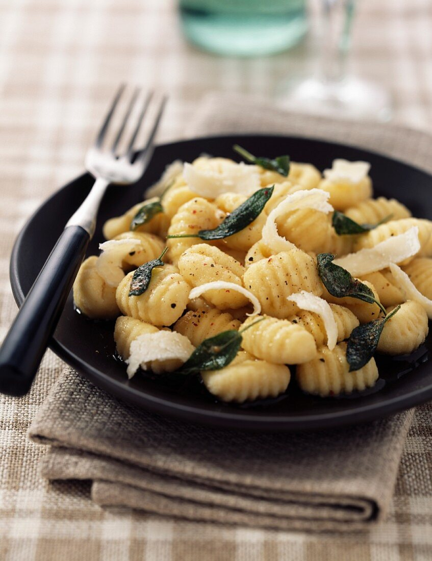 Gnocchis with browned butter and sage