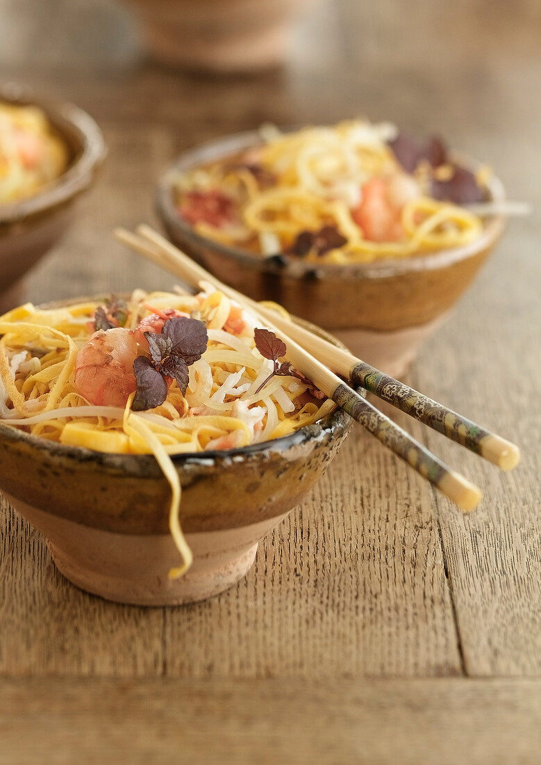 Spaghettis with oriental omelette