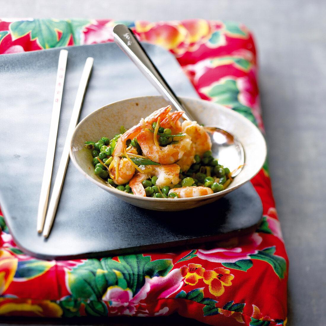 Sauteed shrimps and peas