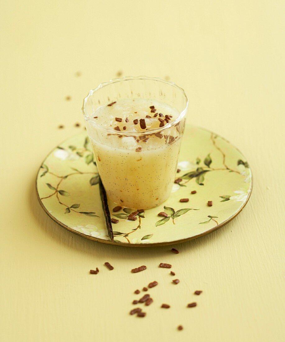 Vanilla-flavored cream of pear soup