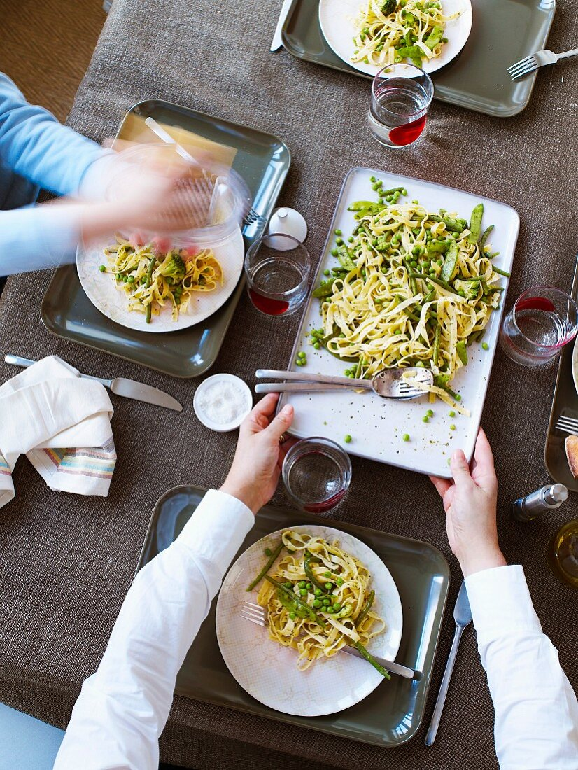 Tagliatelles with green vegetables and pesto