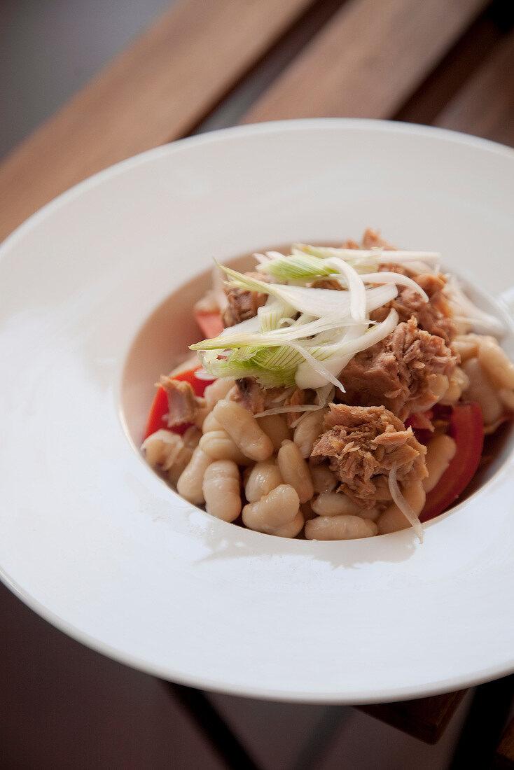 White bean, tuna, tomato and spring onion salad