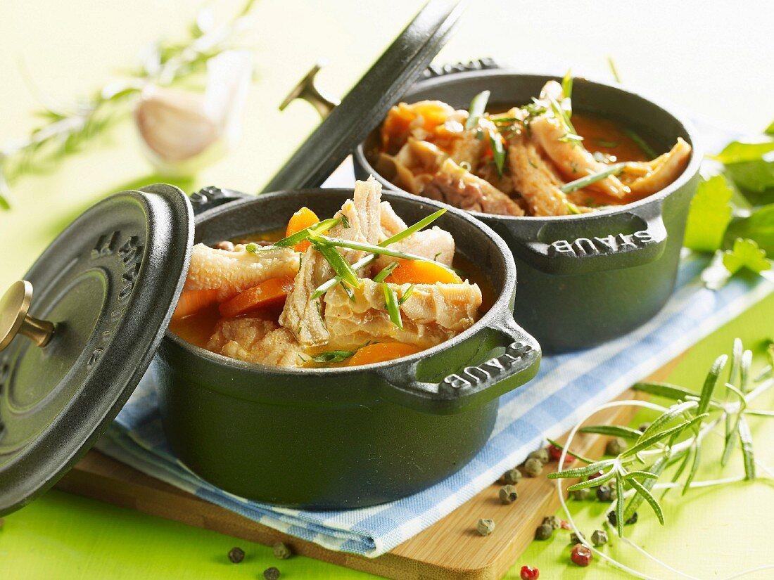 Tripes à la mode de Caen served in mini casserole dishes