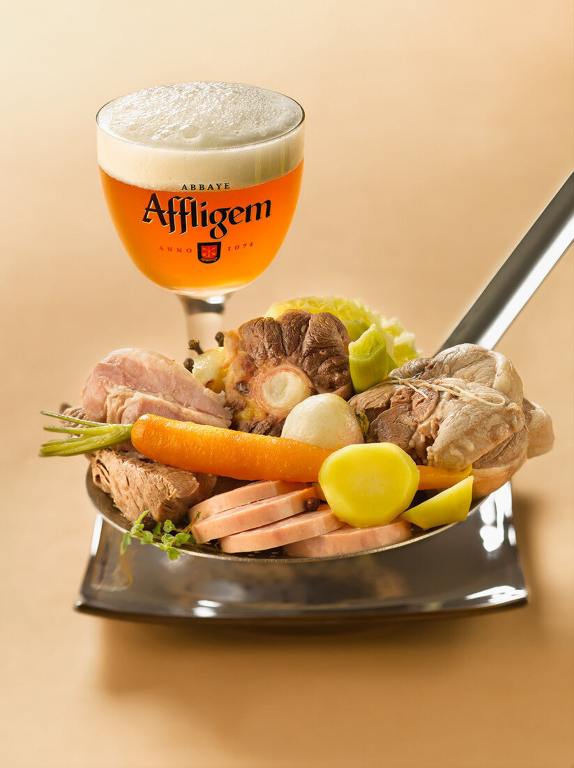 Flemish Hochepot and a glass of beer