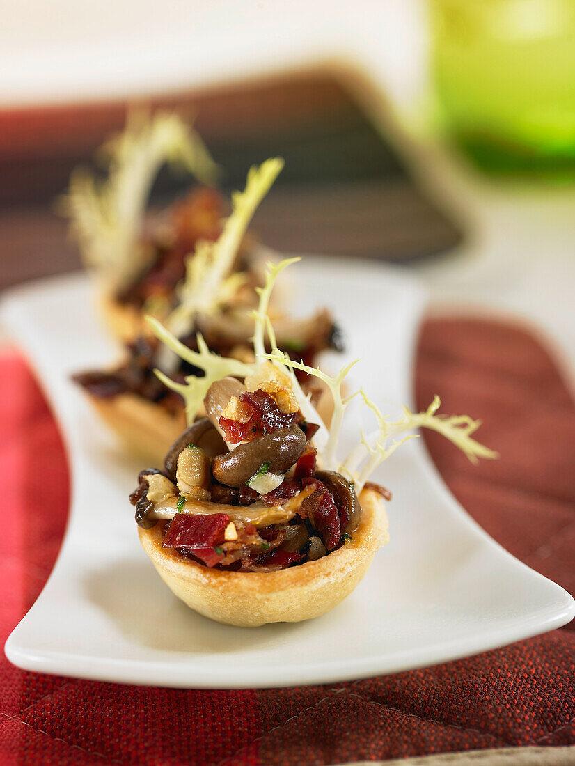 Mushroom and spanish ham mini tarlets