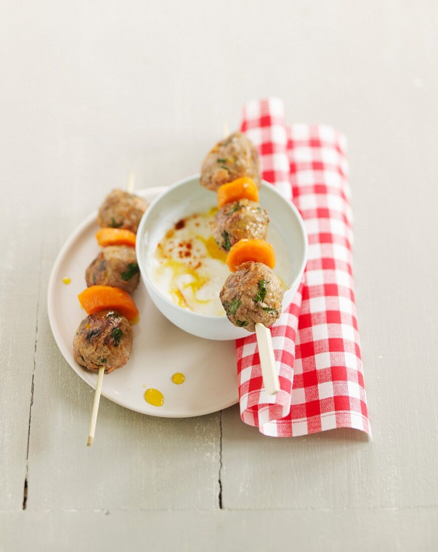 Meat and vegetable brochettes