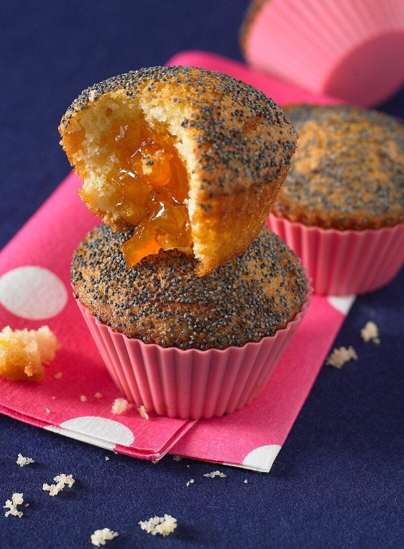 Poppyseed muffins with apricot jam filling