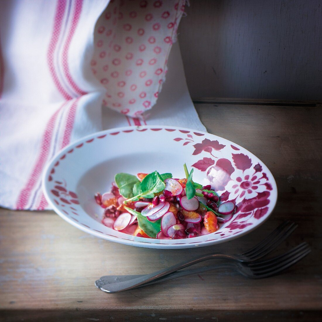 Radish and pomegranate salad