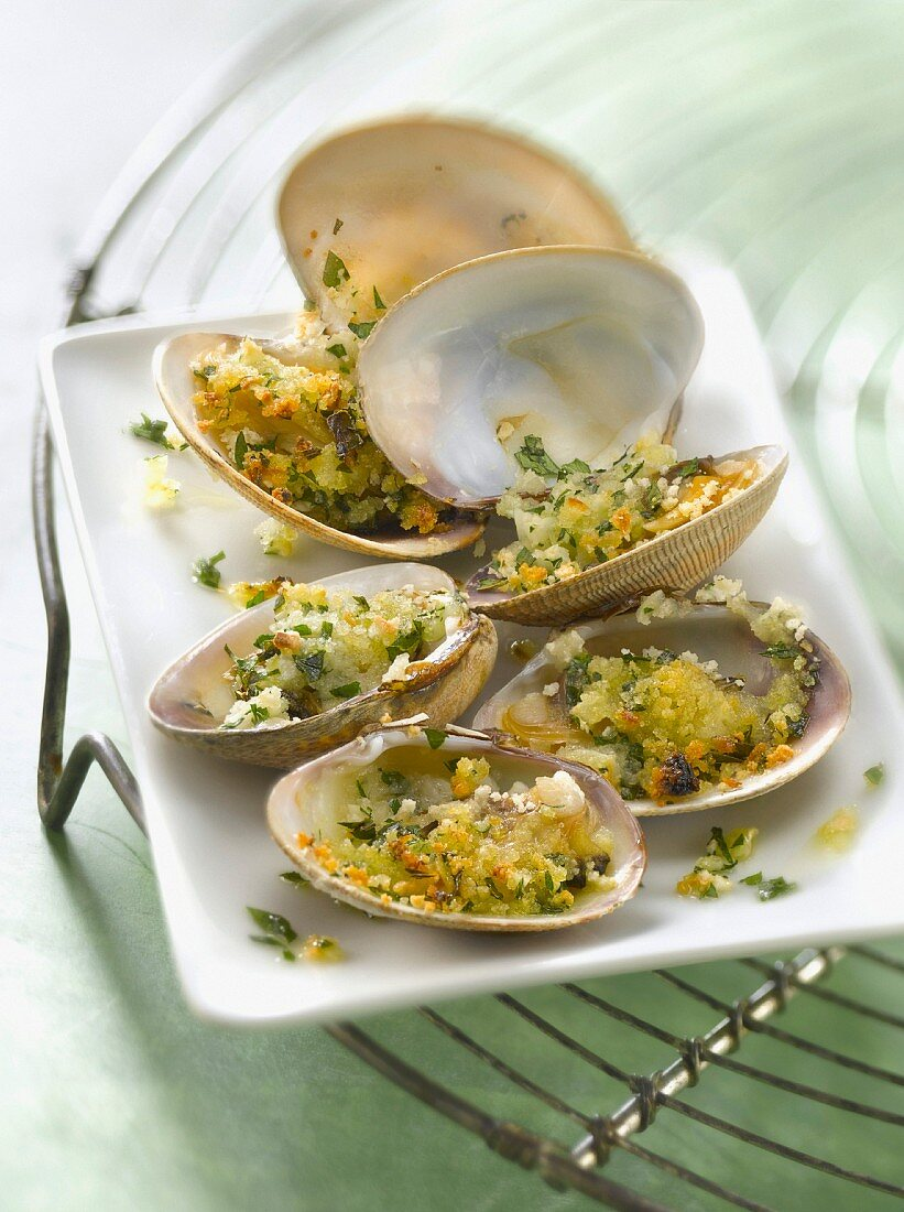 Littleneck clams grilled with parsley and garlic