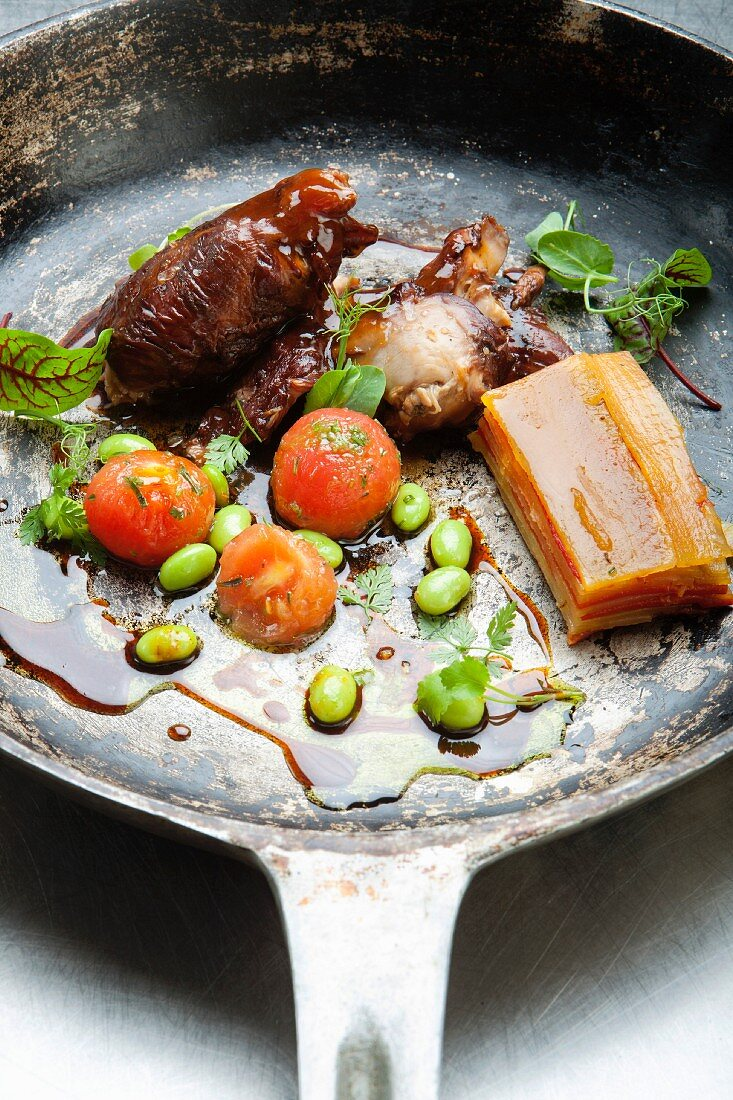 Rabbit and beef with flageolets beans