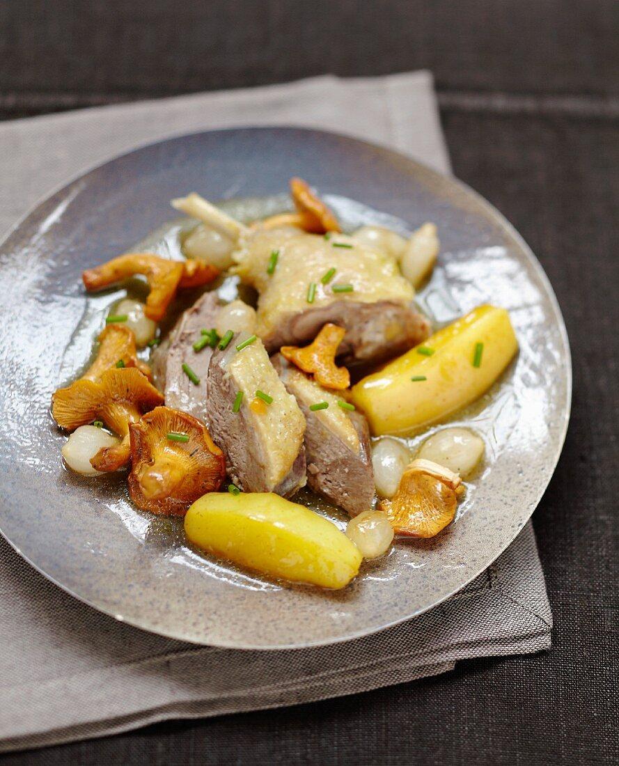 Duck à l'étouffée with chanterelles and potatoes