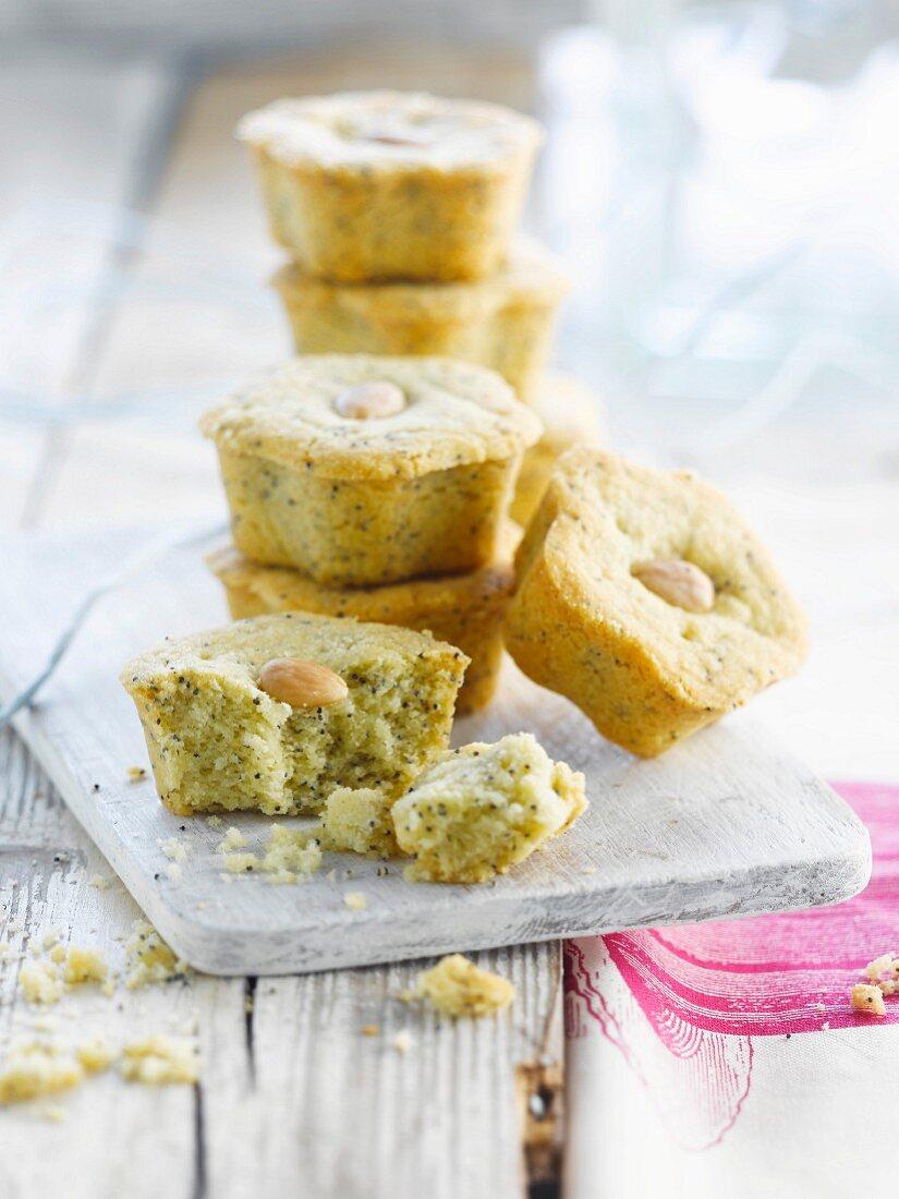 Small poppyseed moist cakes