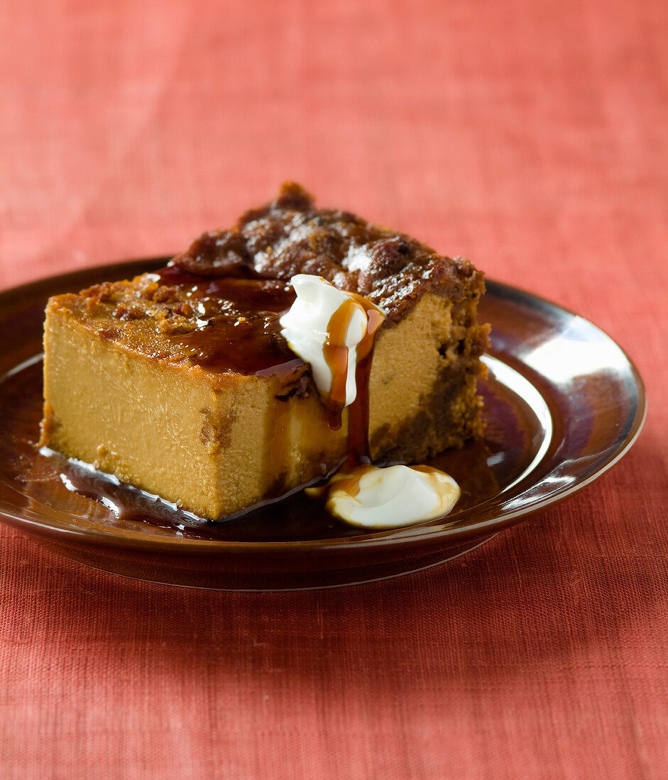 Gingerbread and caramel cheesecake