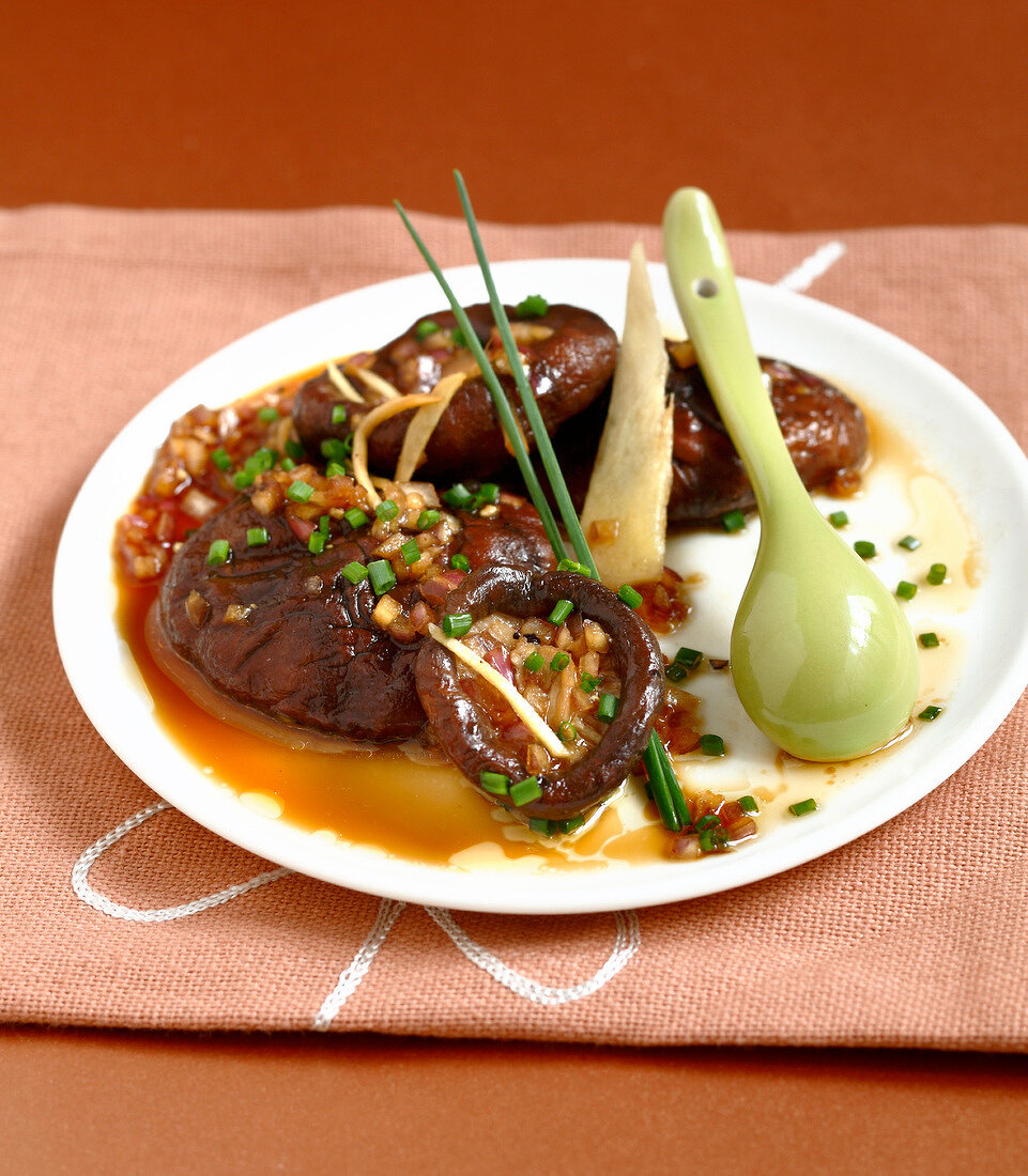 Steamed shiitakes with sesame oil,soya sauce and chives