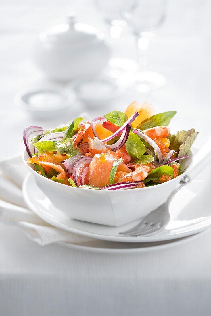 Smoked salmon and shrimp mixed salad