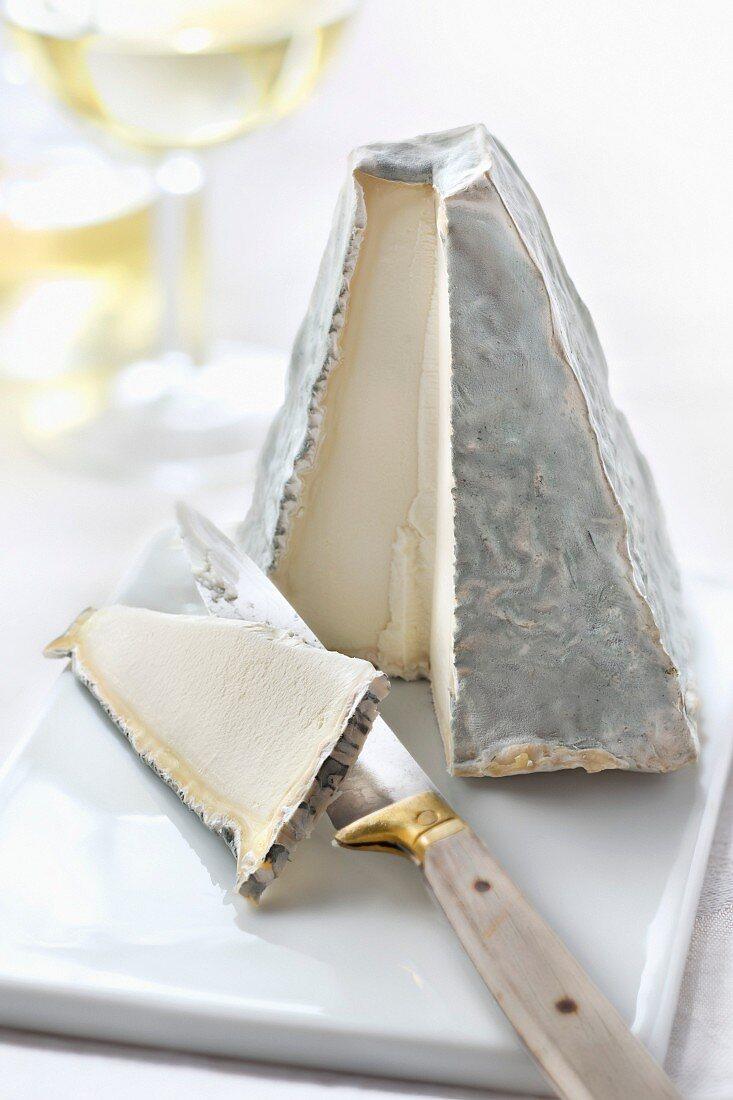 Pouligny-Saint-Pierre cheese