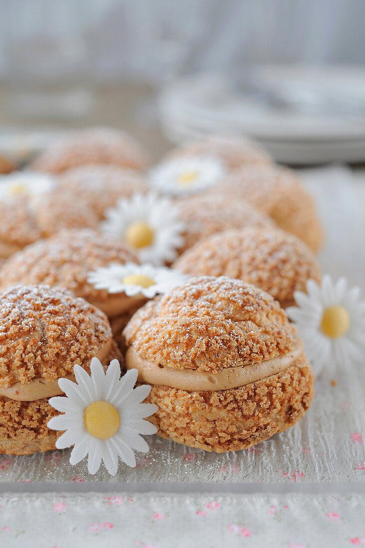 Almond-flavored cream puffs