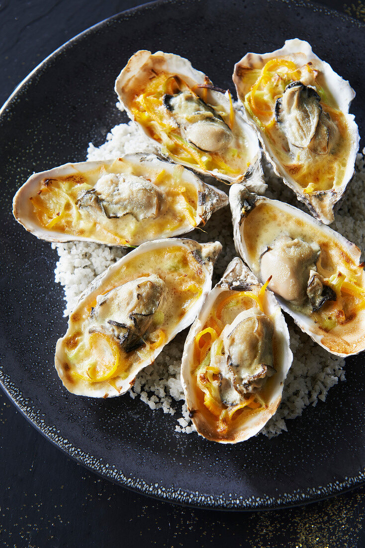 Hot oysters in Fouesnant cider sabayon