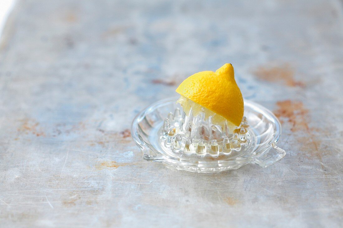 Squzzeing a lemon