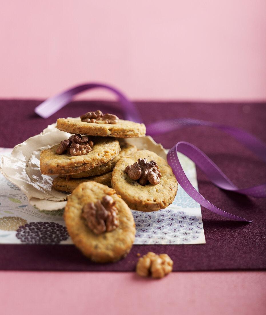 Roquefort and walnut savoury cookies