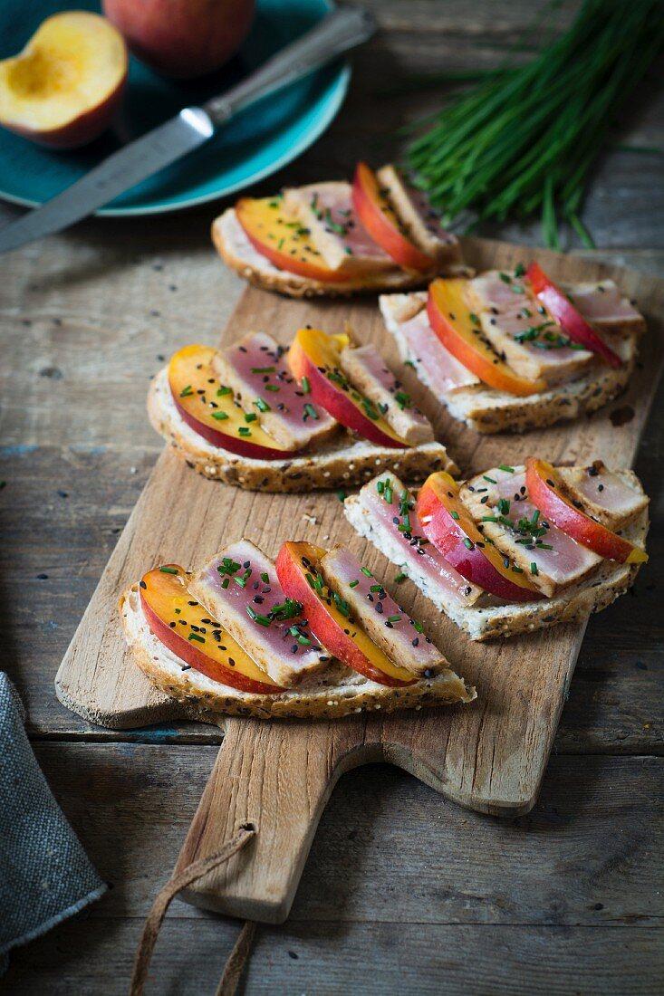 Summer bread with tuna fish and nectarine