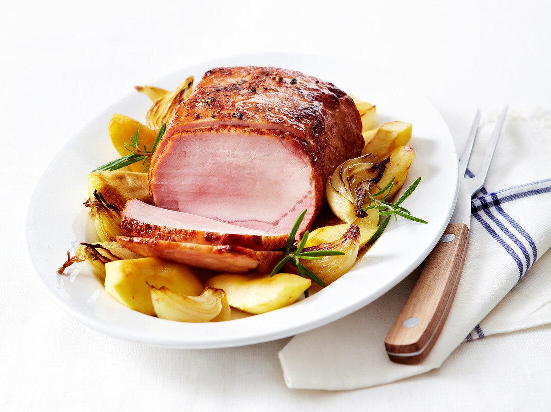 Smoked roast turkey with onions ad pears