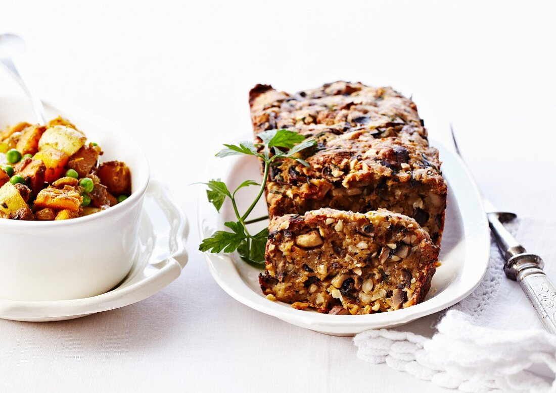 Herzhafter Pilz-Cashewnuss-Kuchen