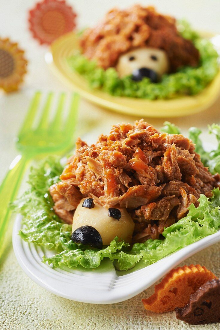 Flaked tuna,olive and Emmental hedgehogs