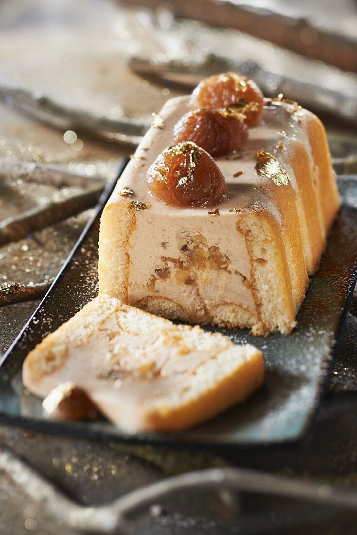 Pear and candied chestnut log cake