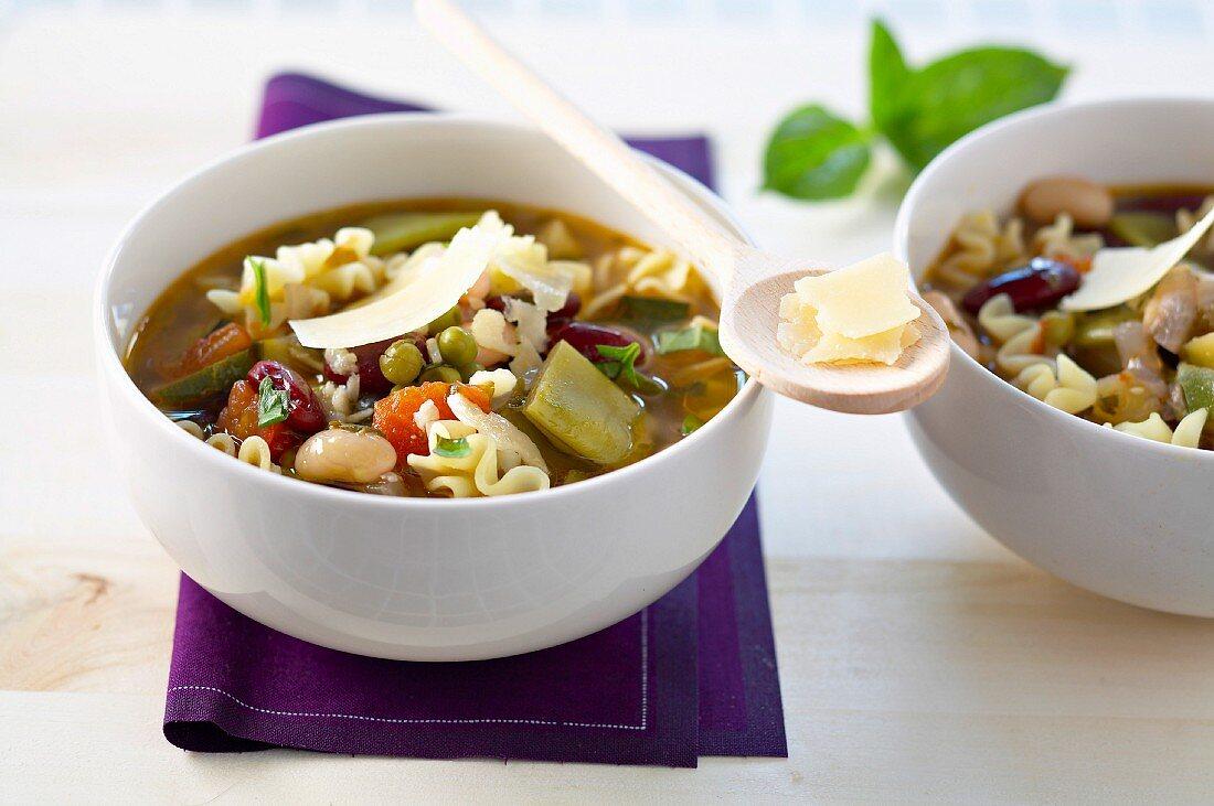 Soupe au pistou de Provence (vegetable soup with basil paste from Provence)