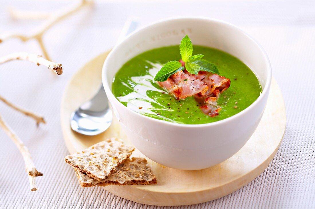 Australian pea soup with mint