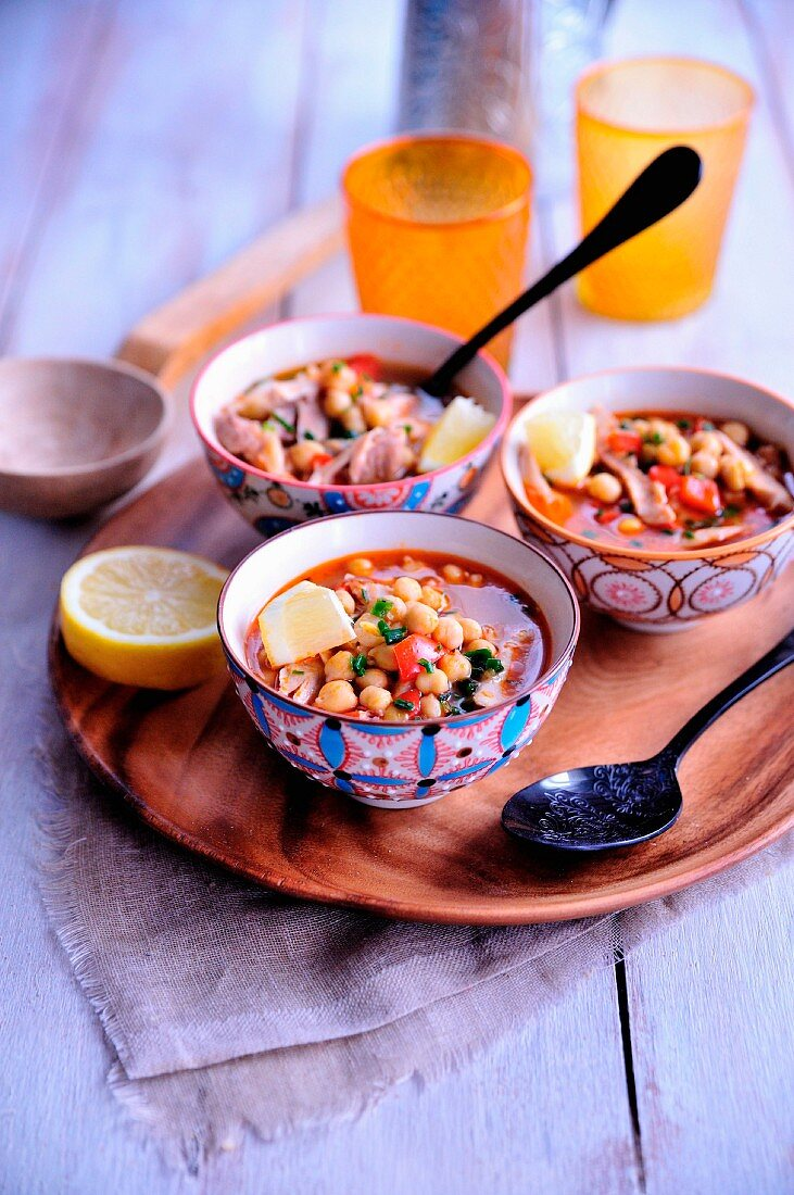 Lebanese soup with chicken and chick-pea