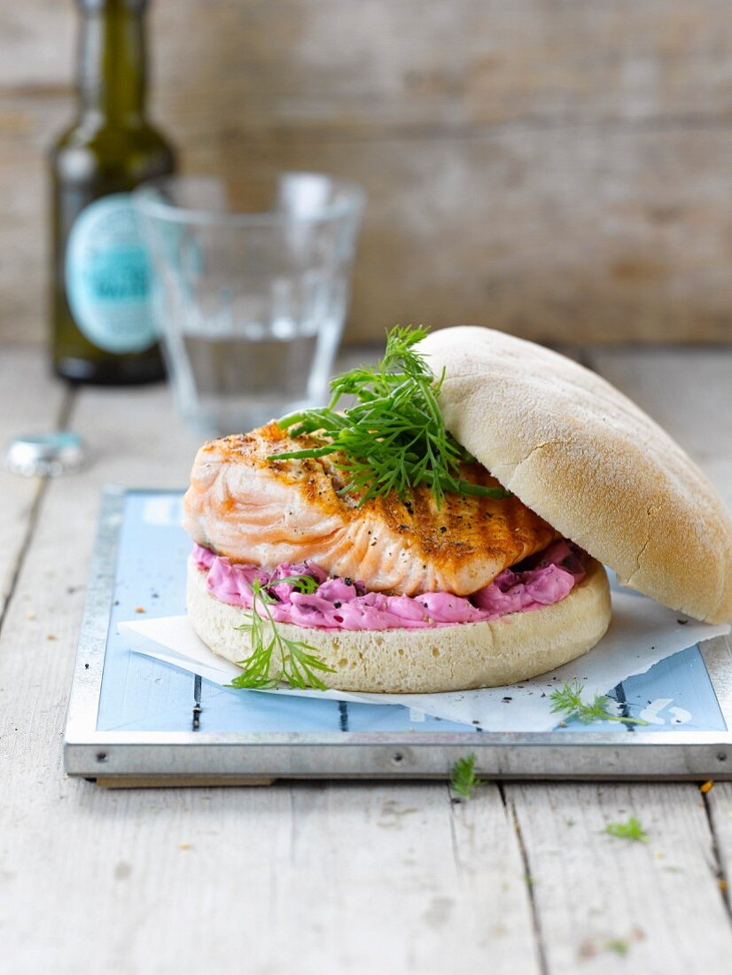 Salmon burger with beetroot mousse