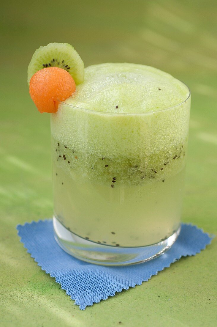 Kiwi,melo and Schweppes cocktail