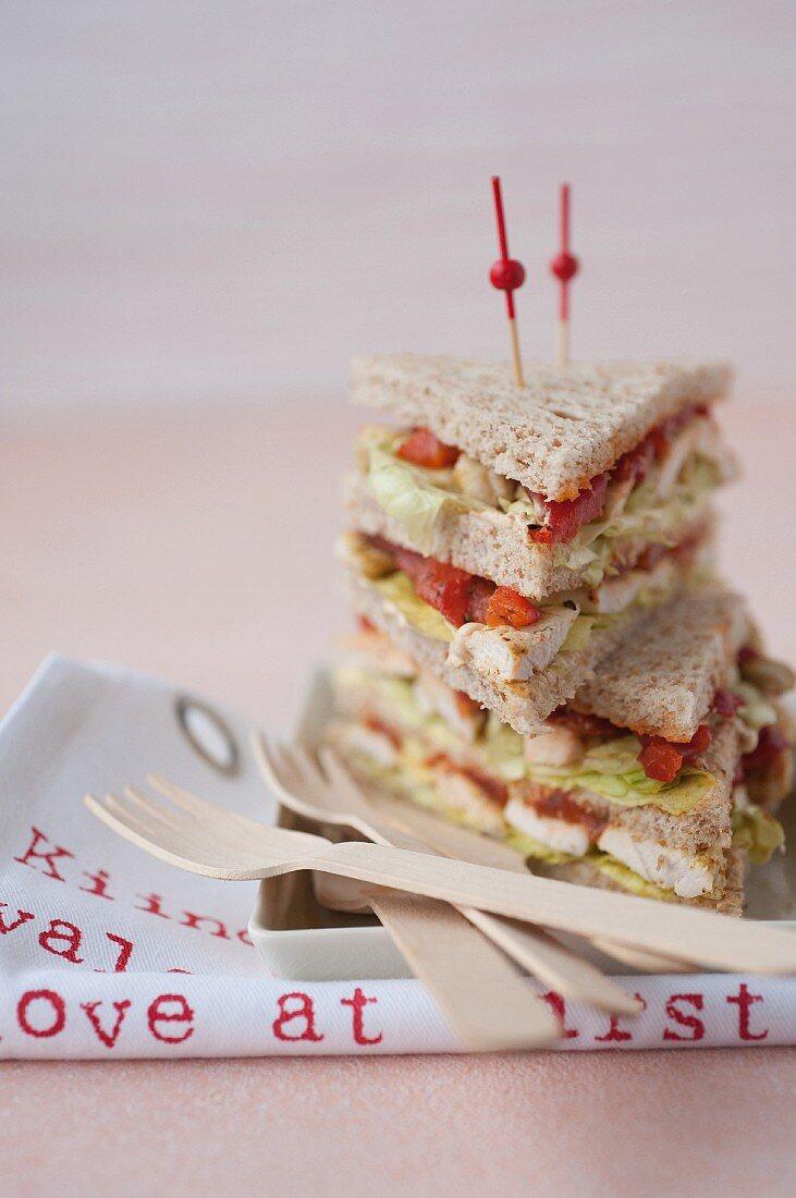Grilled pepper,chicken and curry cream Oriental club sandwich