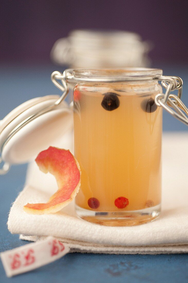 Spicy apple core and peelings jelly