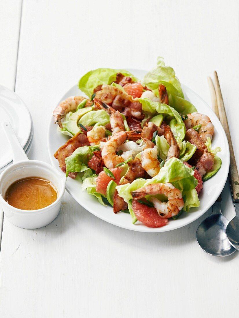 Shrimp,grapefruit and grilled bacon Asian salad