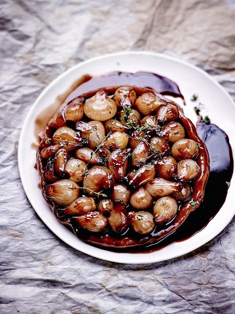 Grelot onion and balsamic vinegar tatin tart