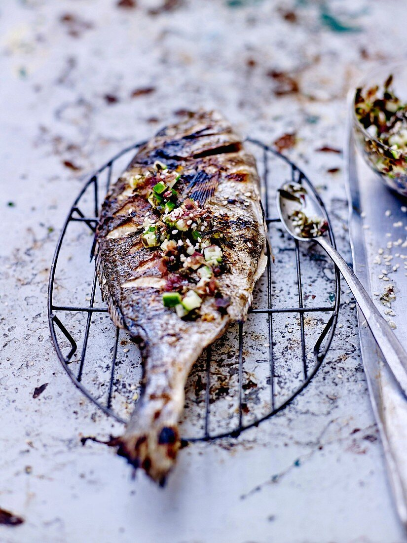 Grilled sea bream, seaweed and cucumber condiment