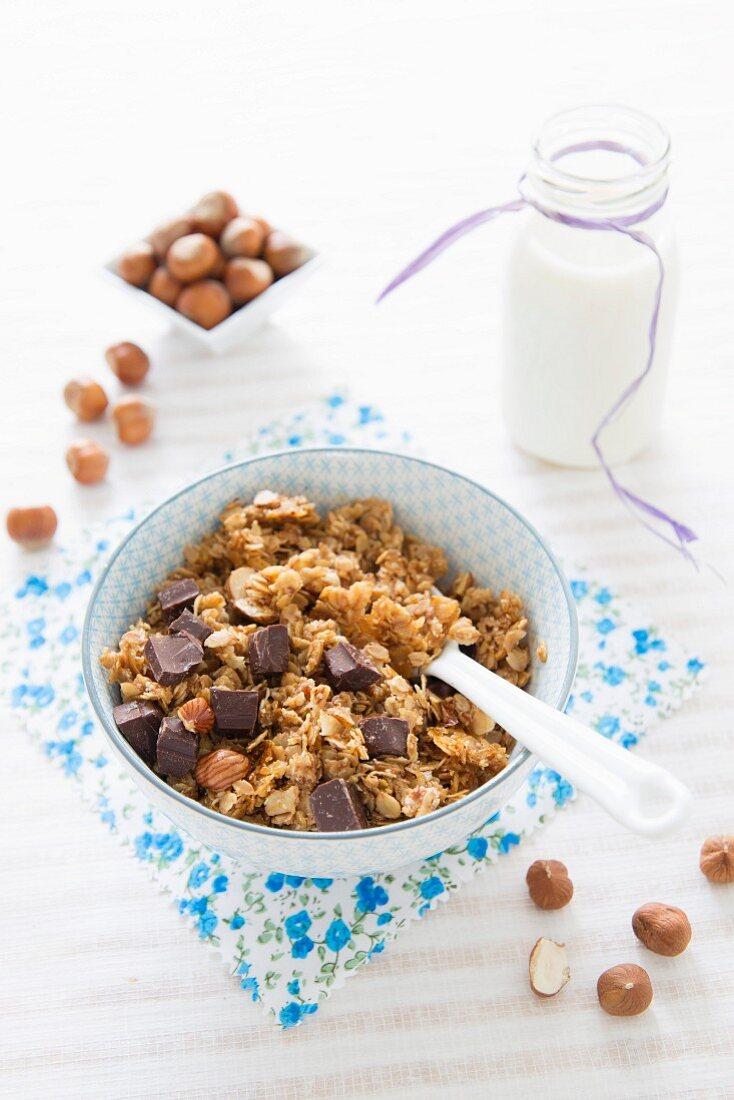Small spelt flake, hazelnut and chocolate chip crunchy granola