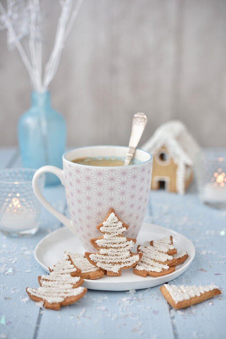 Sparkling shortbread Christmas trees