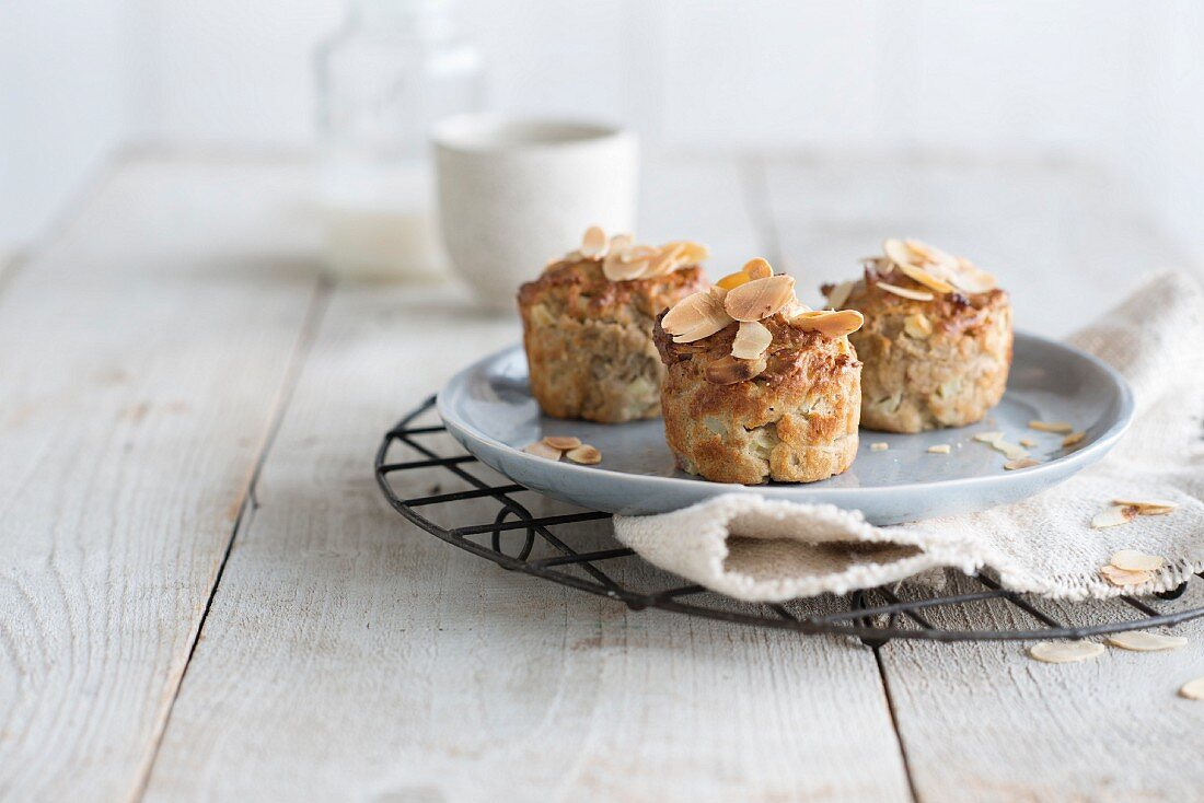 Small apple and almond muffins