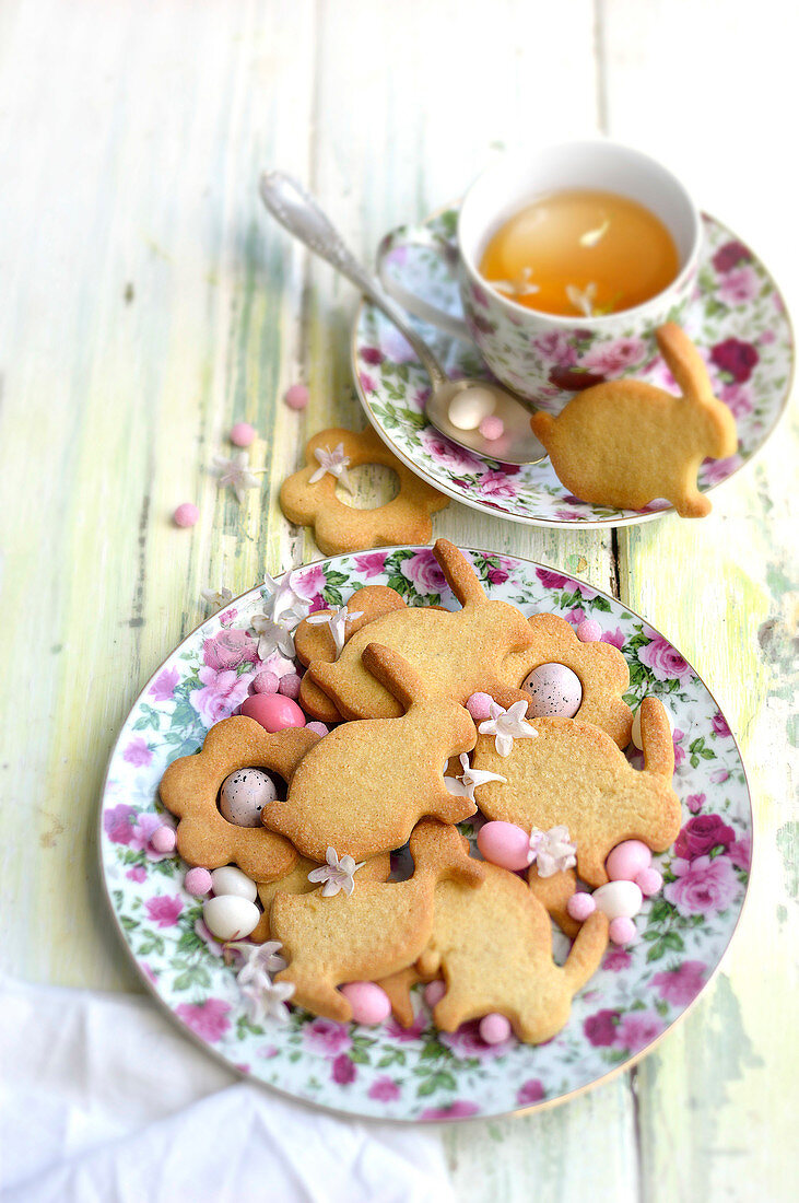 Flower, duck and rabbit-shaped Easter shortbreads