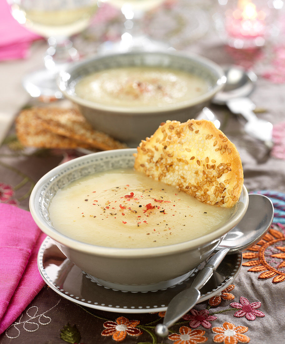 Cram of parsnip soup and a sesame tuile