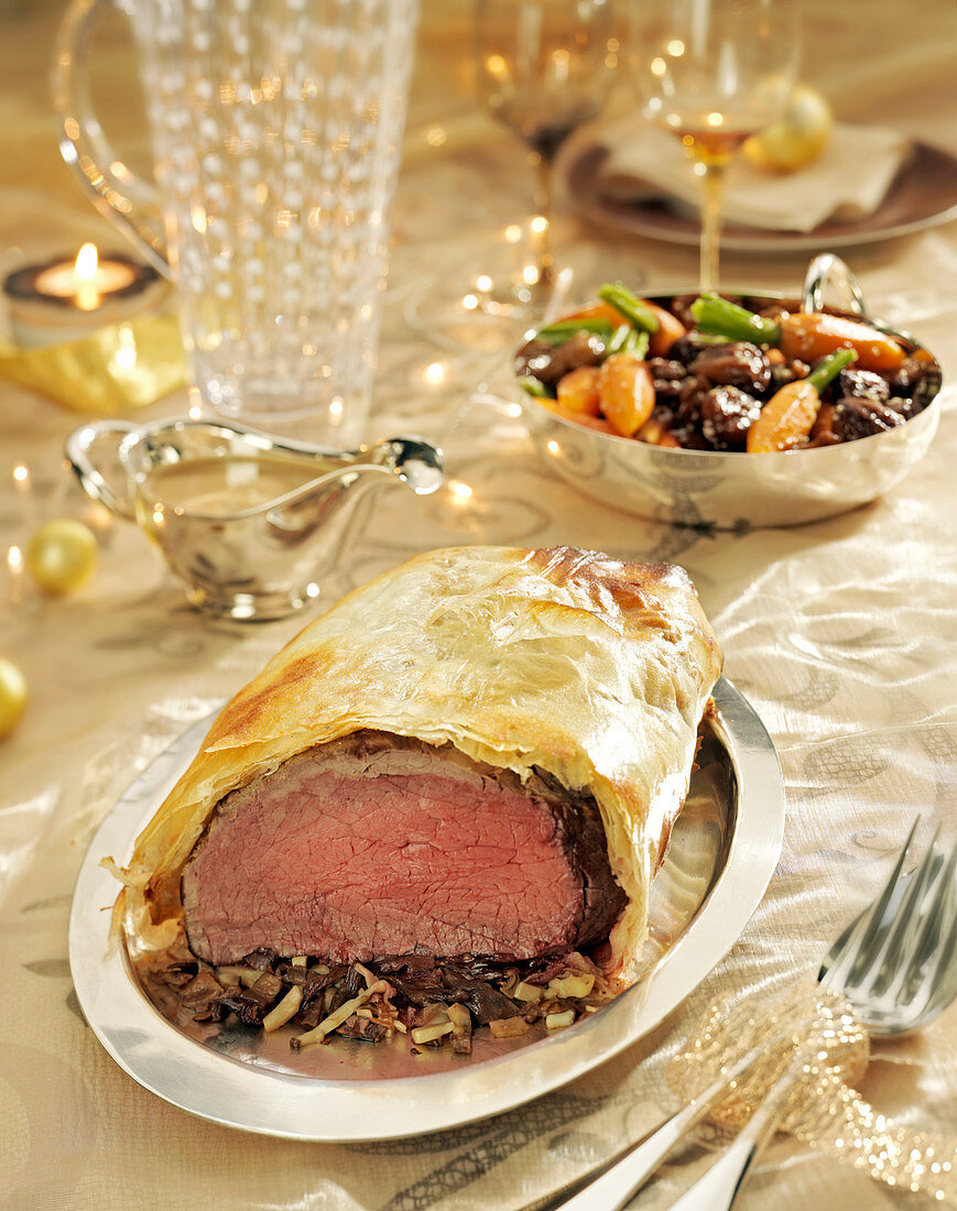 Beef with ceps in filo pastry crust