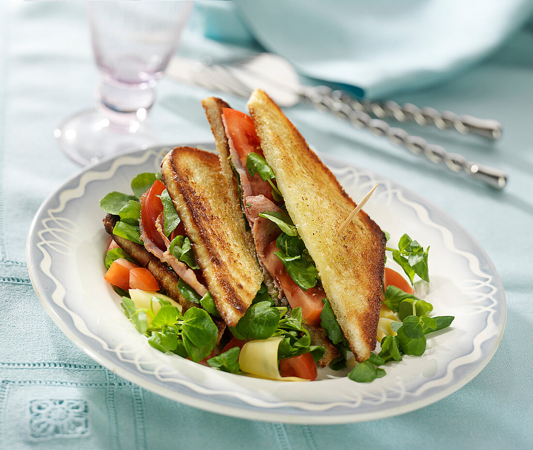Watercress-bacon toasted andwich