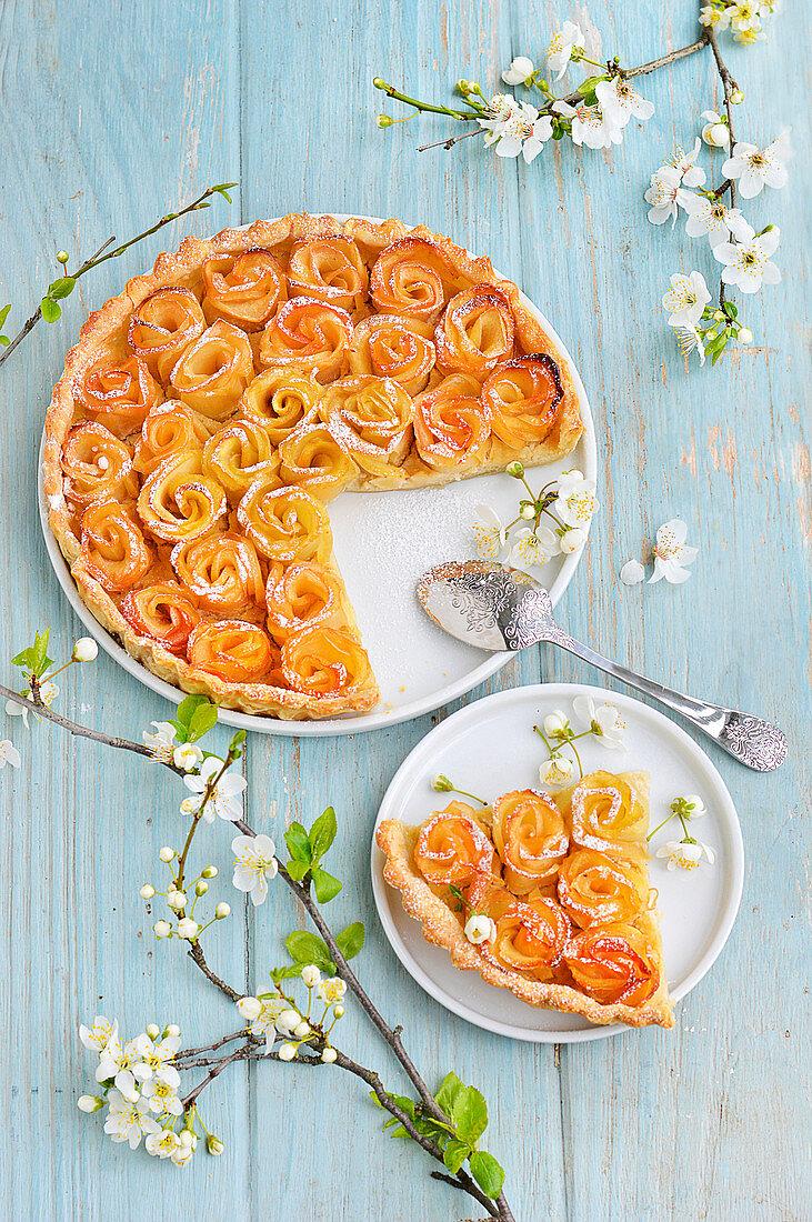 Apple blossom pie cut