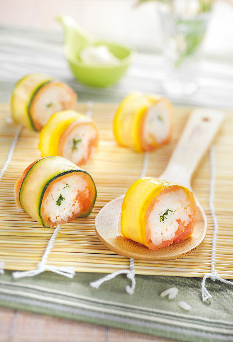 Salmon green and yellow courgette makis