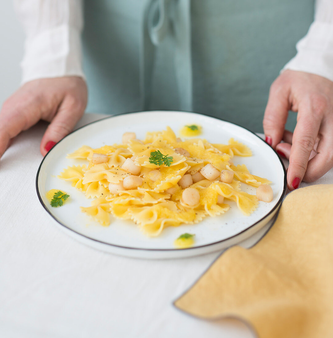 Farfalle with petoncle scallops